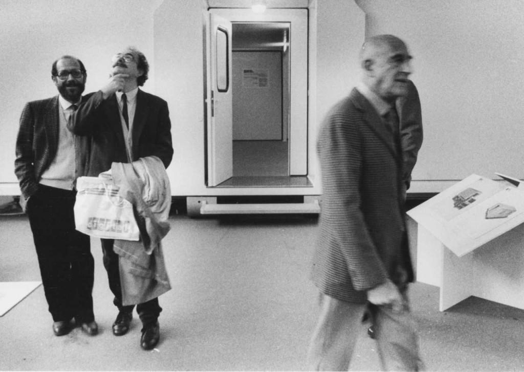 ©Maria-Mulas,-Ugo-La-Pietra,-Emilio-Isgrò,-Gillo-Dorfles,-1981-p